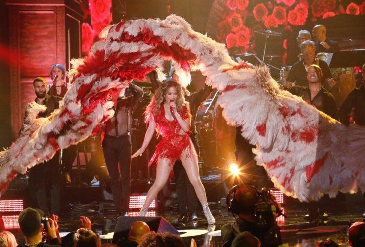 Η Jennifer Lopez έκανε twerking και «αναστάτωσε» τα πλήθη