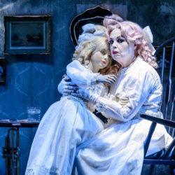 Η Μπέημπι Τζέην επιστρέφει στο Θέατρο Σφενδόνη