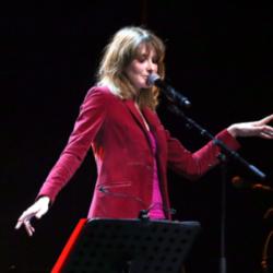 Μόνο Εδώ! Αποκλειστικές φωτογραφίες από την συναυλία της Carla Bruni στην Αθήνα