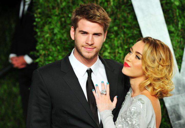 Η Miley Cyrus παντρεύτηκε και δεν το πήρε είδηση κανείς
