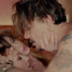Ο Johnny Depp κάνει τρίο στο σπίτι του Marilyn Manson