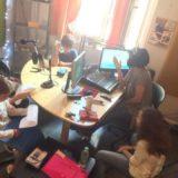 «Ακούγοντας τα παιδιά «, ένα ραδιοφωνικό εργαστήρι για παιδιά και εφήβους στο θέατρο 104