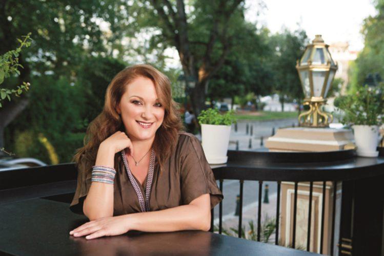 Ρένια Λουιζίδου: Ο γιος μου στο Δημοτικό δεν έλεγε ποια είναι η μάνα του