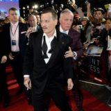 «Λιώμα» στο ποτό ο Johnny Depp στην πρεμιέρα της ταινίας του