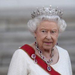 Παραιτείται η βασίλισσα Ελισάβετ;