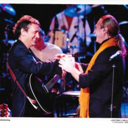 Ο Γιώργος Νταλάρας και η Εστουδιαντίνα για 2 μοναδικές συναυλίες στην Ιερά Οδό