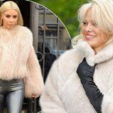 Δείτε γιατί η Pamela Anderson έστειλε στην Kim Kardashian για δώρο μια ψεύτικη γούνα