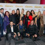 Λαμπερή πρεμιέρα για τη μοντέρνα ελληνική κωμωδία Ο ΘΗΣΑΥΡΟΣ