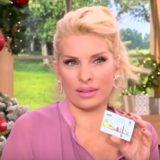 Η Ελένη Μενεγάκη έχασε το ηλεκτρονικό της εισιτήριο και το βρήκε συνεργάτης της εκπομπής «Ελένη» στο μετρό