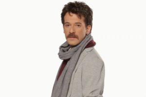 """Γιώργης Κοντοπήδης: Μιλάει για τον ρόλο του γκέι Κρητικού στα """"Κάτι χωρισμένα παλικάρια"""""""