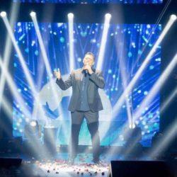 Νίκος Μακρόπουλος: Grand φινάλε στην παραλιακή και τώρα Αμερική