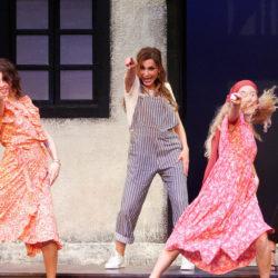 Το MAMMA MIA! υποδέχτηκε αγαπημένους φίλους στο Κηποθέατρο Παπάγου
