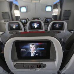 Τι μπορεί να συμβεί αν ανοίξει η πόρτα του αεροπλάνου κατά τη διάρκεια της πτήσης