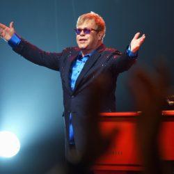 Αποσύρεται από τη μουσική ο Elton John