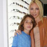 Δείτε την φωτογραφία της Έλενα Τσαβαλιά με το πιο… γλυκό φιλί με το γιο της!