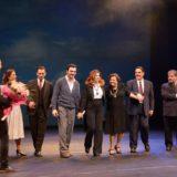Με μεγάλη επιτυχία πραγματοποιήθηκε η επίσημη πρεμιέρα της παράστασης «ΣΤΕΛΙΟΣ ΚΑΖΑΝΤΖΙΔΗΣ. Η ζωή του όλη»
