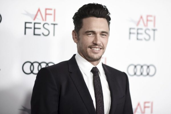 James Franco: Τις βουτιές του στην Μυκόνου απολαμβάνει και ο ηθοποιός του Hollywood