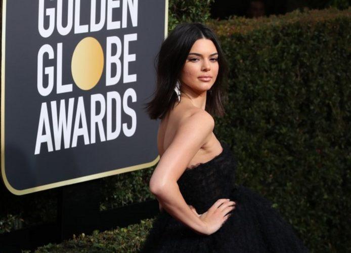 Η Kendall Jenner απαντά σε όσους την χλεύασαν επειδή έχει....ακμή