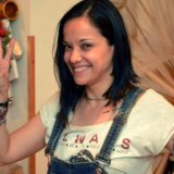 Η Κατερίνα Τσάβαλου ανέβαλε τη βάπτιση της κόρης της