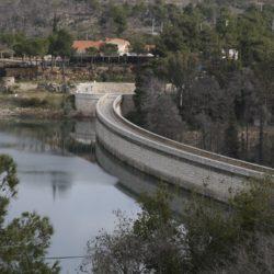 Τα νερά της λίμνης του Μαραθώνα κρύβουν το μυστικό του Εγκέλαδου