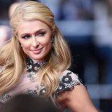 Paris Hilton: Αρραβώνας με διαμάντι 20 καρατίων στα χιόνια