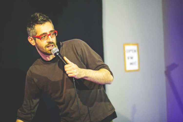 "O Δημήτρης Χριστοφορίδης ανεβαίνει Θεσσαλονίκη με το ""Lower με C"""