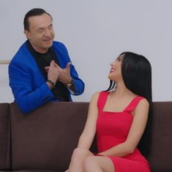 Λευτέρης Πανταζής-Devis: «Σαρώνουν» στην Αλβανία με την ελληνοαλβανική διασκευή του «Μ'αγαπάς; Σ΄ αγαπώ πολύ»