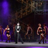 Εντυπωσιακή επίσημη πρεμιέρα για το Cabaret με λαμπερές παρουσίες