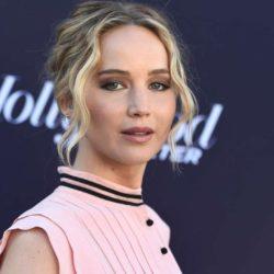 Η Jennifer Lawrence χόρεψε στο δρόμο με πιτζάμες, για τη νίκη του Joe Biden