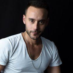 Ορφέας Παπαδόπουλος: Η τηλεόραση έχει γίνει χωνευτήρι πραγμάτων και ετερόκλητων… | Αποκλειστική συνέντευξη