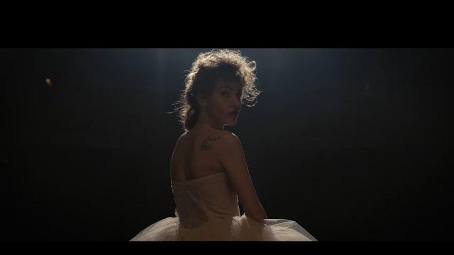 """""""Πες Μου Αν Τολμάς"""" - Sneak Peek στο νέο βίντεο κλιπ της Tamta"""