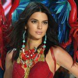 H Kendall Jenner ποζάρει ολόγυμνη και αναστατώνει