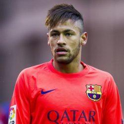 Δείτε τον Neymar να ποζάρει γυμνό