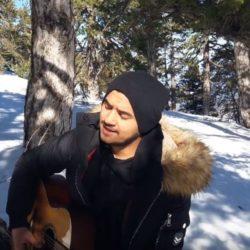 Ήρθες και με σήκωσες | Ο Νάσος τραγουδά στα χιόνια για τους ερωτευμένους