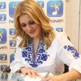 Η Νατάσα Θεοδωρίδου ανανέωσε το συμβόλαιο της με την Heaven Music