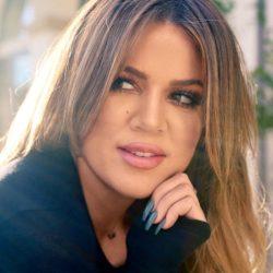Δείτε την Khloe Kardashian να ποζάρει μαζί με την νεογέννητη κόρη της!