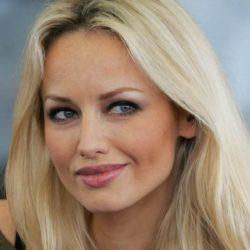 Έγκυος για πρώτη η Adriana Sklenarikova!