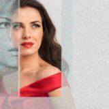 Η Φωτεινή Δαρρα ερμηνεύει Τζένη Βάνου στό Θέατρο Παλλάς