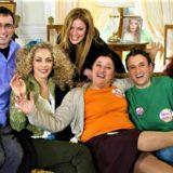 Η Αγγελική Λάμπρη μιλάει για τις σχέσεις των πρωταγωνιστών του «Παρά Πέντε» και την επιστροφή της σειράς