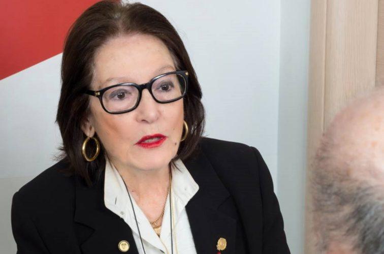 Η Νάνα Μούσχουρη εμβολιάστηκε κατά του κορονοϊού