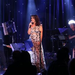 """Η Ζωή Παπαδοπούλου παρουσίασε το νέο της cd """"να 'ρχεται η άνοιξη"""""""