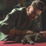 Barrice: Δείτε το βιντεοκλίπ για το νέο του τραγούδι «Μόνο μια ζωή (νιάου)»