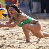Η Βίκυ Χατζηβασιλείου πήγε για beach volley με γνωστό τραγουδιστή