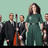 Ελευθερία Αρβανιτάκη – ΤΑΚΙΜ «Την ίδια στιγμή» – Ωδείο Ηρώδου Αττικού – Συμμετέχει η Συμφωνική Ορχήστρα Νέων Μεγάρου Μουσικής Θεσσαλονίκης (MOYSA) υπό τη διεύθυνση του Νίκου Πλατύρραχου