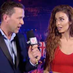 "Eurovision: Η Ελένη Φουρέιρα βγήκε στο BBC και ""τραυμάτισε"" δημοσιογράφο με τα... μαλλιά της"