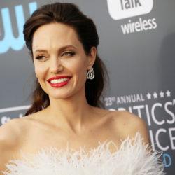 Angelina Jolie: Παντρεύετε για 4η φορά;