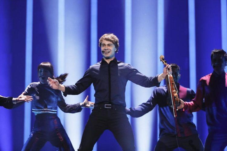 Η εντυπωσιακή επιστροφή του Alexander Rybak στη Eurovision