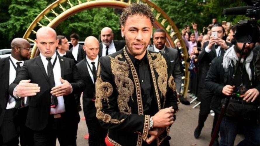 Κορυφαίος παίκτης της Ligue 1 ο Νεϊμάρ, που έκανε εμφάνιση... σοκ!