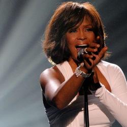 Whitney Houston: Την κακοποιούσε σεξουαλικά η ξαδέρφη της