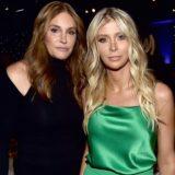 Η Caitlyn Jenner παντρεύεται την -επίσης- τρανσέξουαλ σύντροφο της, Sophia Hutchins